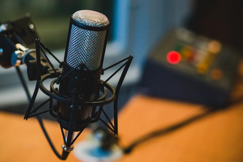 語音直播如何找話題?10種有料內容隨靈感任選
