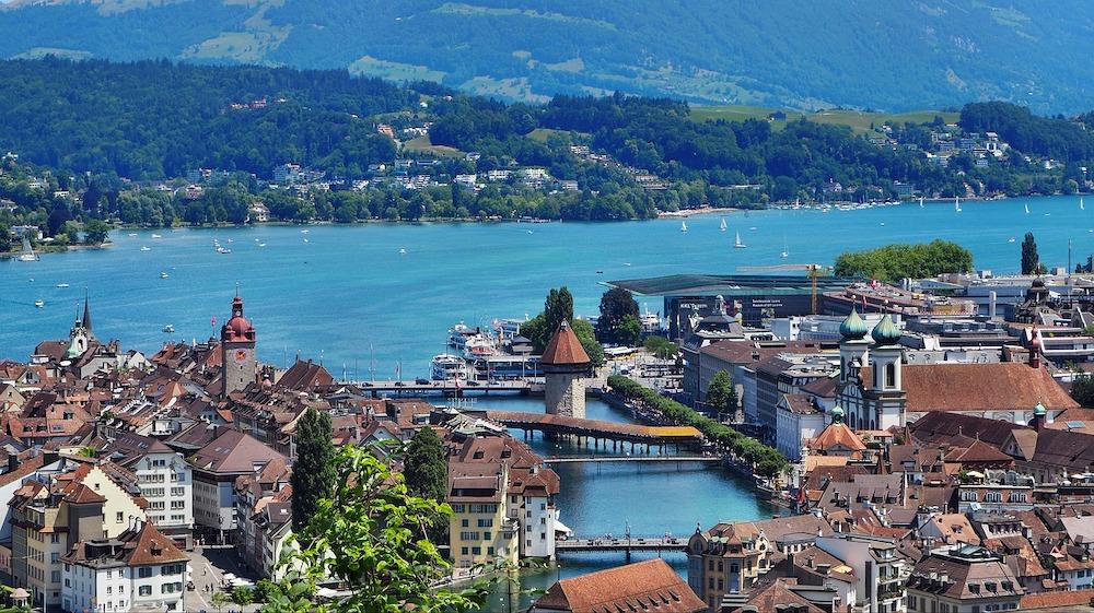 瑞士 | 琉森:猶如美麗風景畫的浪漫歐洲城市