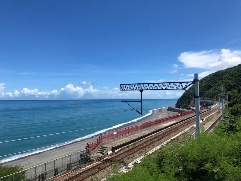 台鐵全新美學觀光列車「鳴日號」上路,3大重點鐵路遊