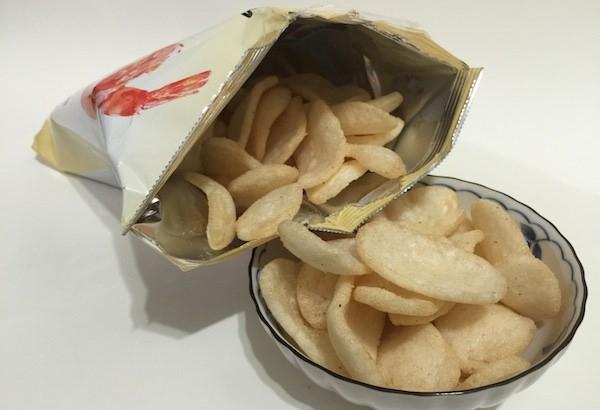 【韓國零食】農心鮮蝦片:卡滋卡滋讓人吃了超涮嘴的零食新咖!